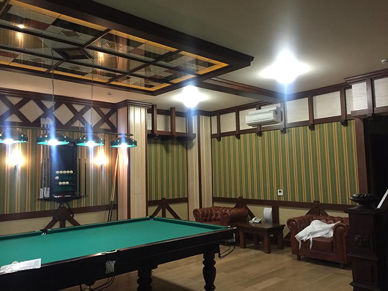 Бильярдная комната для загородного дома