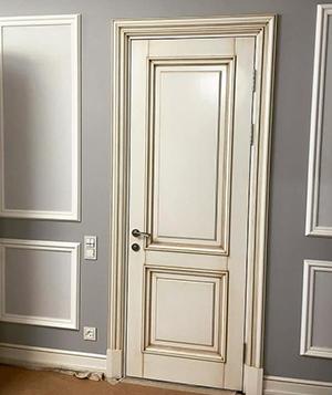 плюсы деревянных дверей
